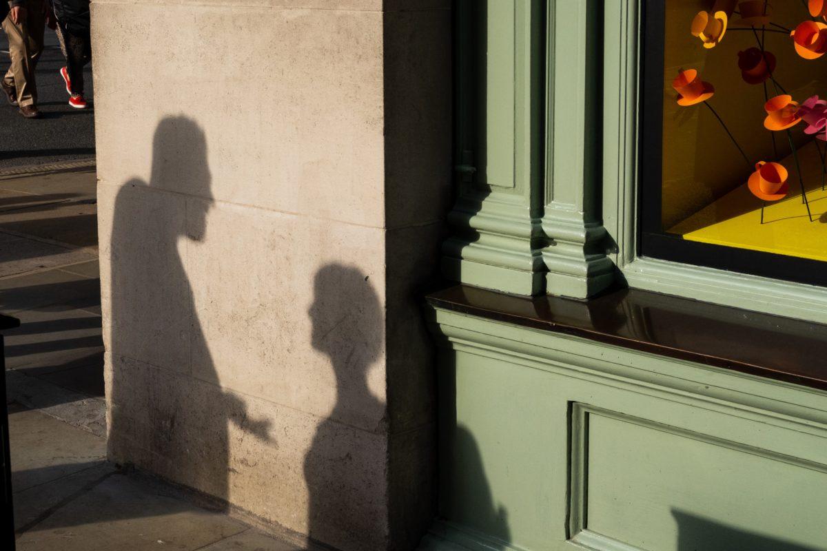 How to Deal with Office Gossip | www.workwiseasia.com